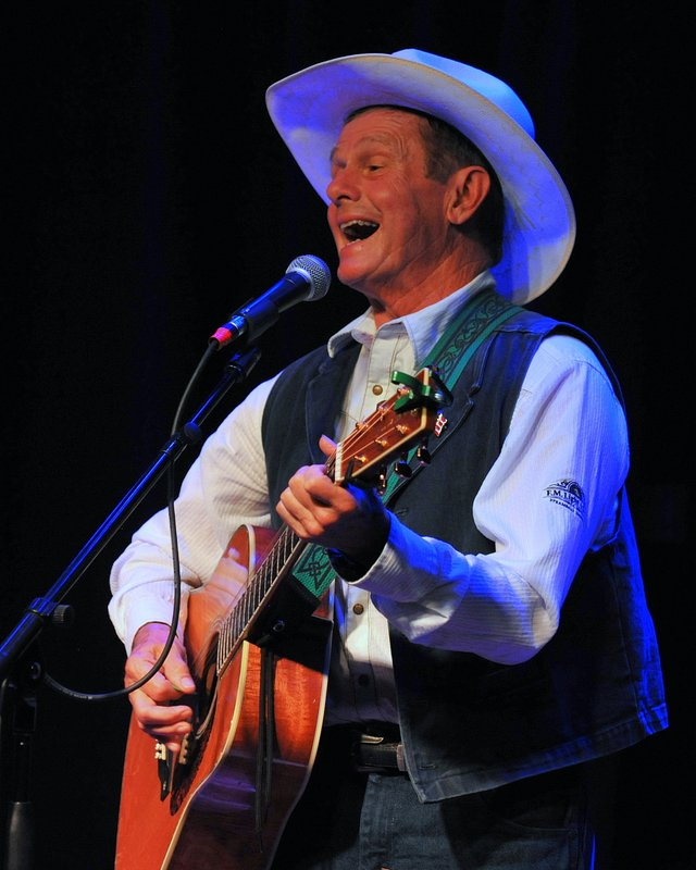 Steve Jones, cowboy Irish singer songwriter